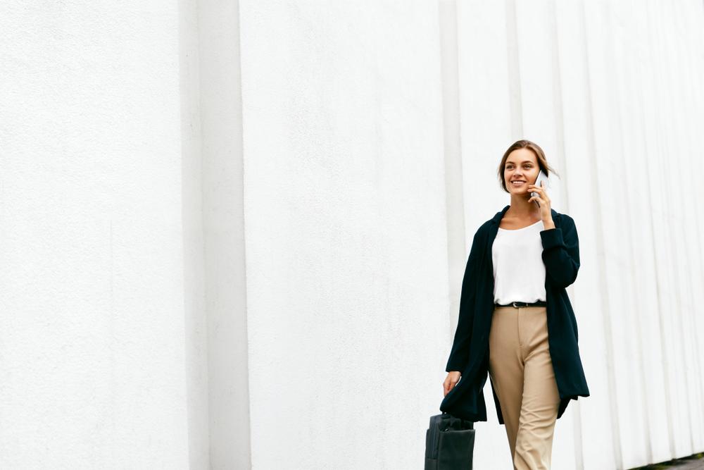副業で投資信託する際の注意点・初心者向けの種類はどれがいい?